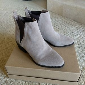  White Mountain Taupe Leather Suede Bootie